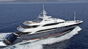 Louez un yacht de luxe avec équipage pour des vacances inoubliables