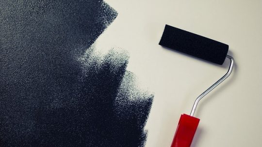 Refaire la peinture intérieure d'une maison
