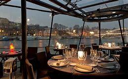 Partir en croisière le temps d'une soirée et d'un dîner à Paris